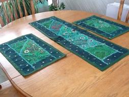 Placemats And Table Runner Set