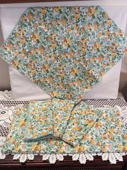 COUNTRY COTTAGE SET OF FLORAL  FABRIC NAPKINS & MATCHING TAB