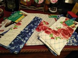 Pioneer Woman Heritage Floral Table Runner And 4 Placemats a