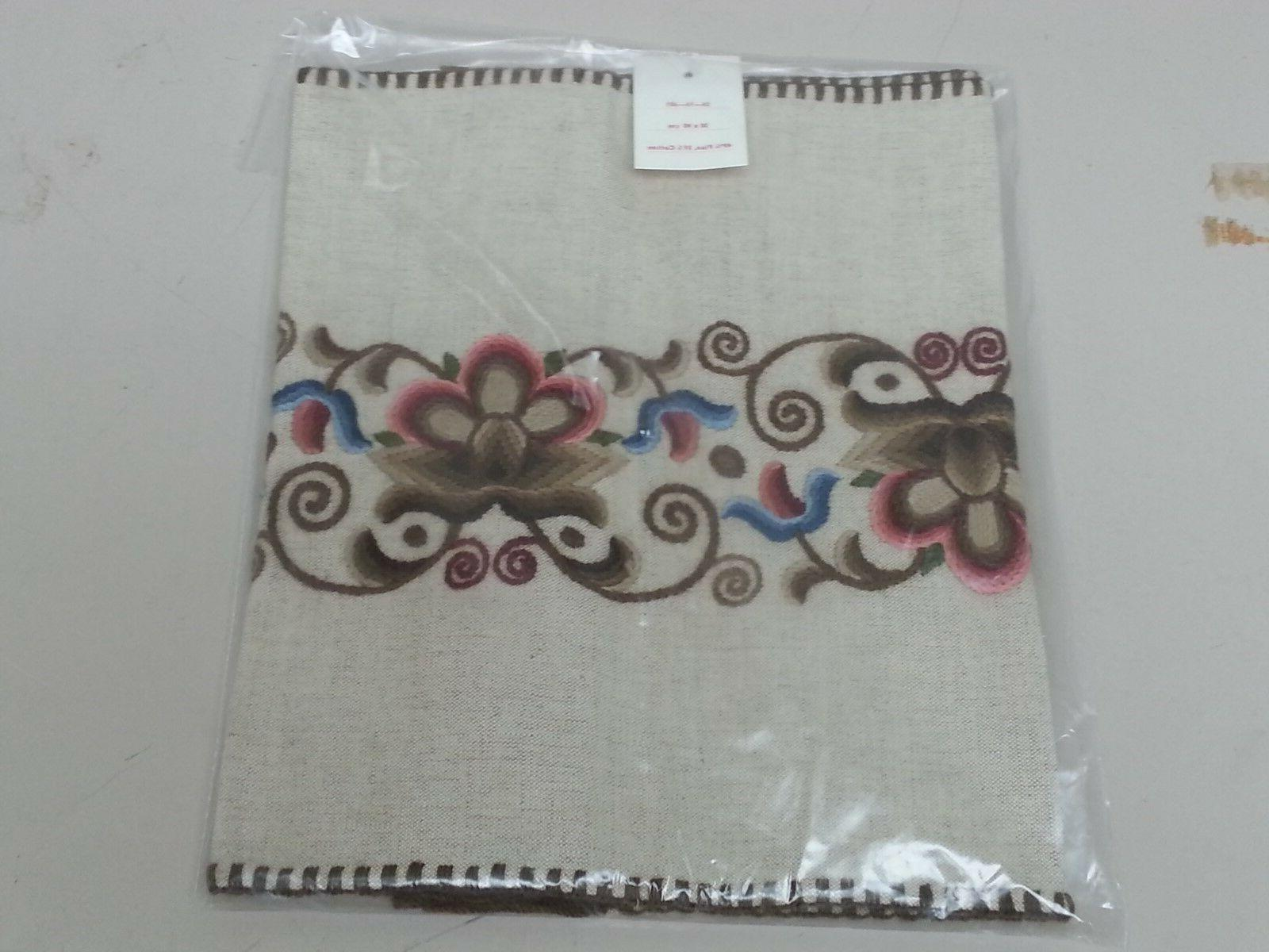 Vintage NEW Beautiful Embroidered TABLE Doilie CLOTH