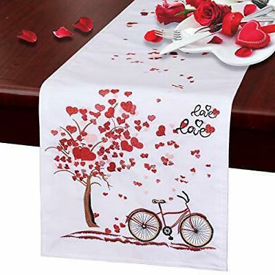 lined table runners for valentine s day
