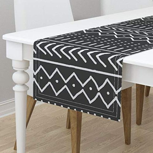 table runner lines dots arrows